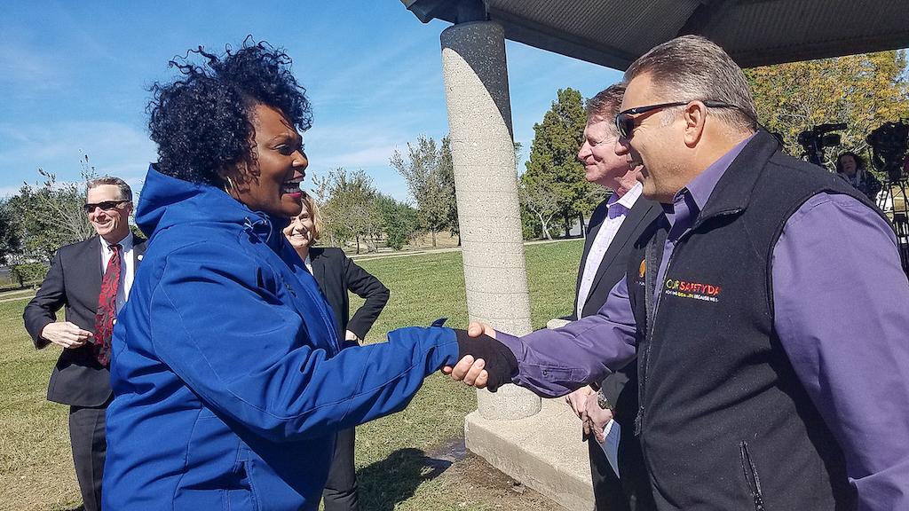 bomd-wwgc-2019-mayor-signing-shell-132029