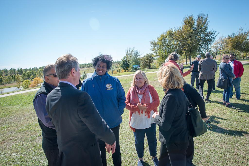 bomd-wwgc-2019-mayor-signing-shell-6286
