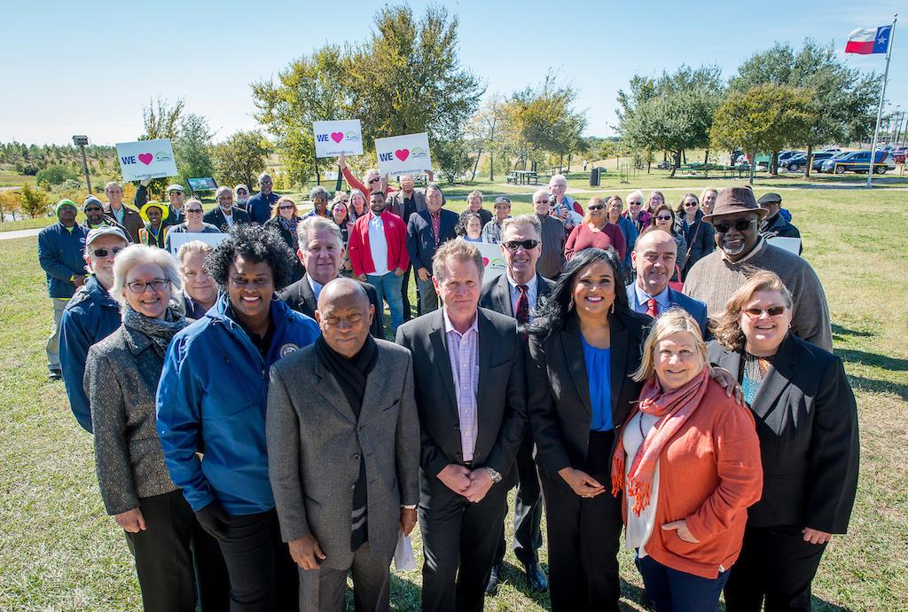 bomd-wwgc-2019-mayor-signing-shell-6348