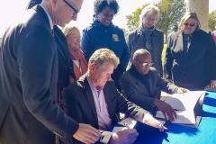 bomd-wwgc-2019-mayor-signing-shell-1354000